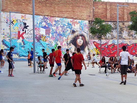 foto estiu a la plaça_ para web